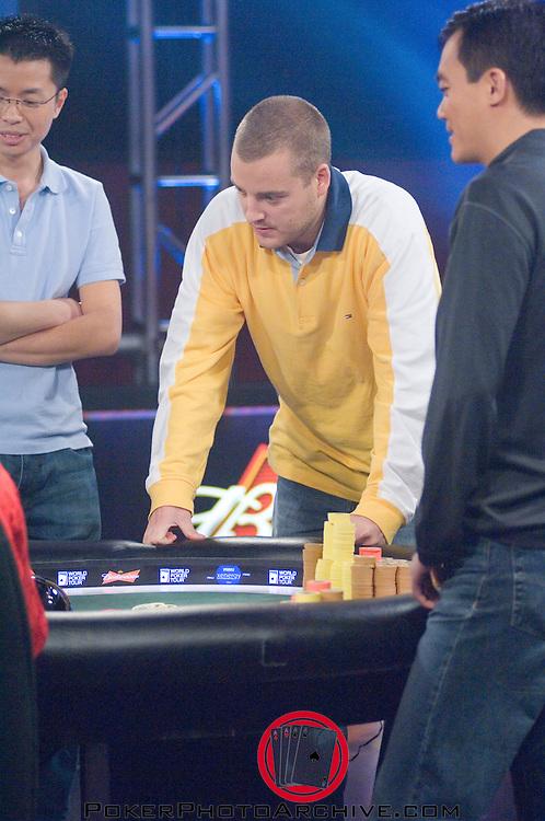 Soren Turkewitsch eliminates John Juanda.