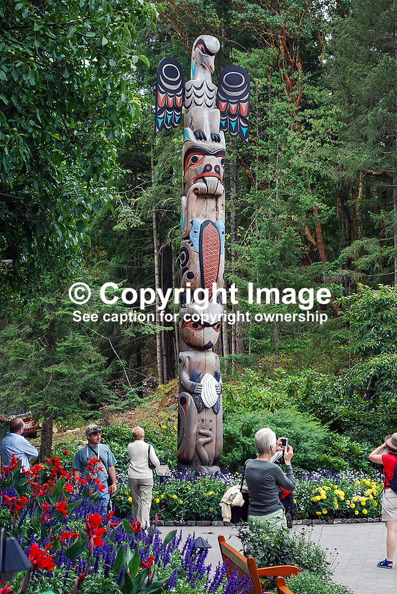 Butchart Gardens, National Historic Site of Canada,  Brentwood Bay, Vancouver Island, Canada, 200809091165, flowers, shrubs, trees, totem pole, carver, Charles Elliott, member, Tsarlip First Nation, Tarslip Indians..Copyright Image from Victor Patterson, 54 Dorchester Park, Belfast, N Ireland, BT9 6RJ...Tel: +44 28 9066 1296.Mob: +44 7802 353836.Email: victorpatterson@mac.com..IMPORTANT: For copyright information go to www.victorpatterson.com and click on Terms and Conditions