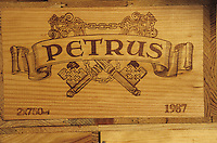 Europe/France/Aquitaine/33/Gironde/Pomerol : château Petrus - Caisses de vins [Non destiné à un usage publicitaire - Not intended for an advertising use]