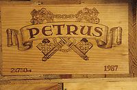 Europe/France/Aquitaine/33/Gironde/Pomerol: château Petrus - Caisses de vins [Non destiné à un usage publicitaire - Not intended for an advertising use]