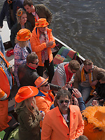 Boote am K&ouml;nigstag auf der Binnenamstel,  Amsterdam, Provinz Nordholland, Niederlande<br /> Boats at Kings day on  the internal Amstel, Amsterdam, Province North Holland, Netherlands