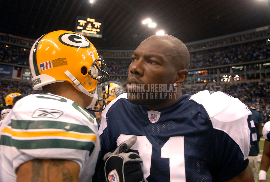 Nov. 29, 2007; Irving, TX, USA; Dallas Cowboys wide receiver Terrell Owens (81) against the Green Bay Packers at Texas Stadium. Mandatory Credit: Mark J. Rebilas-US PRESSWIRE