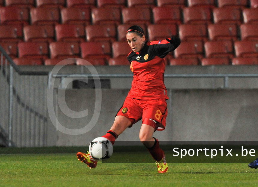 Northern Ireland : UEFA Women's Euro Qualifying group stage (Group 3) - 19/09/2012 - BELFAST  - Windsor Linfield FCl Stadion : Northern Ireland ( Noord Ierland ) - BELGIUM ( Belgie ) : Audrey Demoustier.foto DAVID CATRY / Vrouwenteam.be.