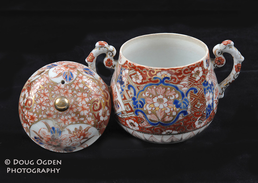 Asian china sugar bowl.  Images used in Estate valuation and auction program.