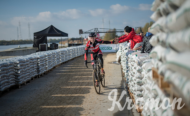 Joeri Adams (BEL/Kalas-Nnof) having fun with some young fans along the course during the Elite Men's course recon <br /> <br /> Soudal Jaarmarktcross Niel 2016