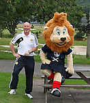 Roary the Lion with Peter Houston telling jokes to each other