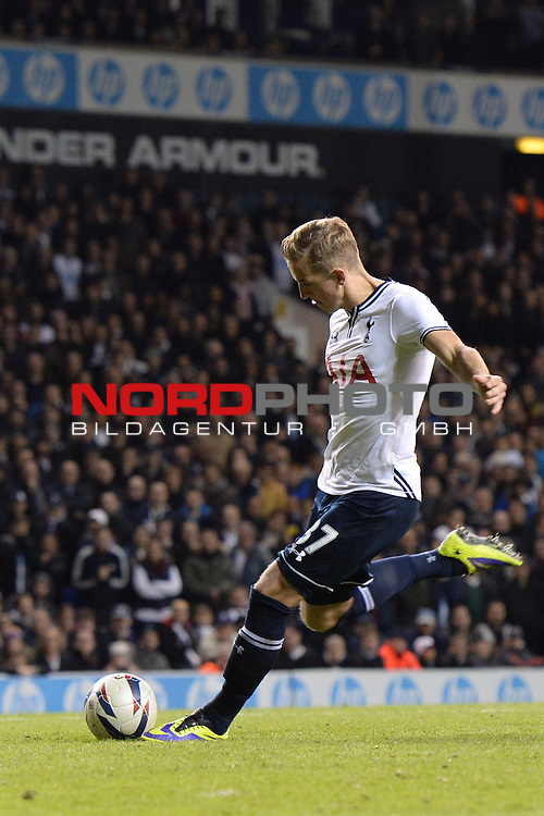 Tottenham's Harry Kane scores a goal from a penalty  30/10/2013 - SPORT - FOOTBALL - White Hart Lane - London - Tottenham Hotspur v Hull City - Capital One Cup - Forth Round<br /> Foto nph / Meredith<br /> <br /> ***** OUT OF UK *****