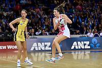 Thunderbirds' Madeleine Proud in action during the ANZ Championship - Central Pulse v Adelaide Thunderbirds at Te Rauparaha Arena, Porirua, New Zealand on Sunday 12 June 2016. <br /> Photo by Masanori Udagawa. <br /> www.photowellington.photoshelter.com.