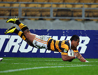 David Smith scores for Taranaki. ITM Cup rugby match - Taranaki v Tasman Makos at Yarrow Stadium, New Plymouth, New Zealand on Friday 6 August 2010. Photo: Dave Lintott / lintottphoto.co.nz