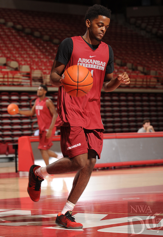 NWA Democrat-Gazette/ANDY SHUPE<br /> Arkansas' Daryl Macon participates in practice Wednesday, Oct. 5, 2016, in Bud Walton Arena. Visit nwadg.com/photos to see more photos from Media Day and practice.