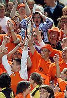 6-4-07, England, Birmingham, Tennis, Daviscup England-Netherlands, Haase  throws his racker in the crowd