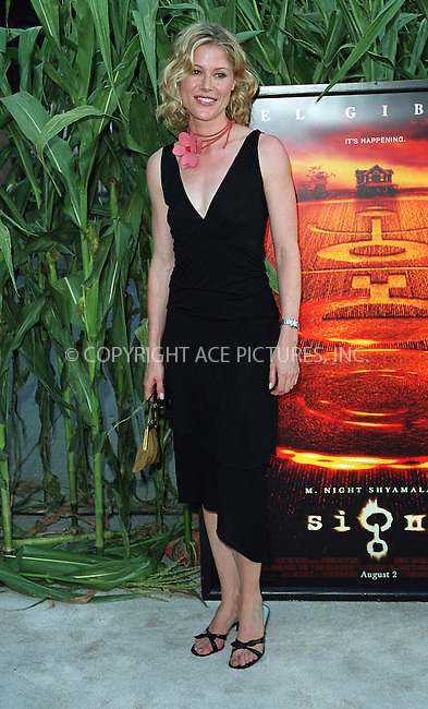 """Julie Bowen arrives at the world premiere of Touchstone Pictures' movie, """"Signs"""" at Lincoln Center, New York. July 29, 2002. Please byline: Alecsey Boldeskul/NY Photo Press.   ..*PAY-PER-USE*      ....NY Photo Press:  ..phone (646) 267-6913;   ..e-mail: info@nyphotopress.com"""