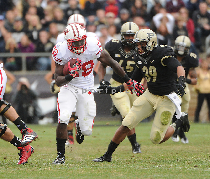Wisconsin Badgers Montee Ball (28) in action during a game against Purdue on October 13, 2012 at Ross-Ade Stadium in West Lafayette, IN. Wisconsin beat Purdue 38-14.