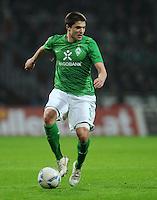 FUSSBALL   1. BUNDESLIGA   SAISON 2011/2012   19. SPIELTAG Werder Bremen - Bayer 04 Leverkusen                    28.01.2012 Aleksandar Ignjovski (SV Werder Bremen) Einzelaktion am Ball