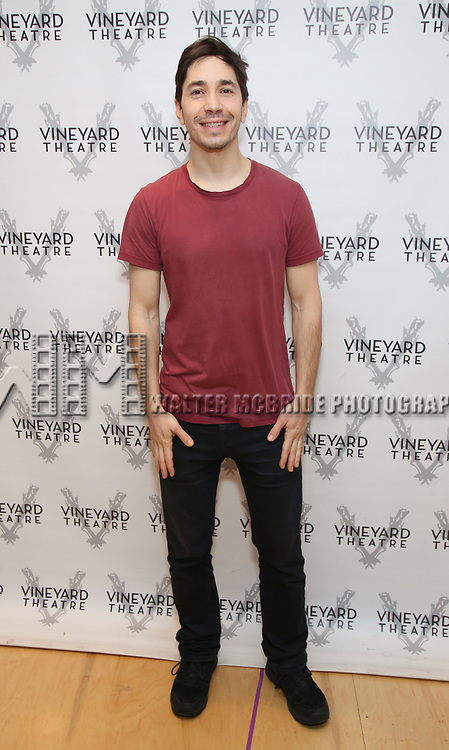 """Justin Long attends the photo call for the Vineyard Theatre production of """"Do You Feel Anger?"""" at the Vineyard Theater Rehearsal studio Theatre on February 14, 2019 in New York City."""