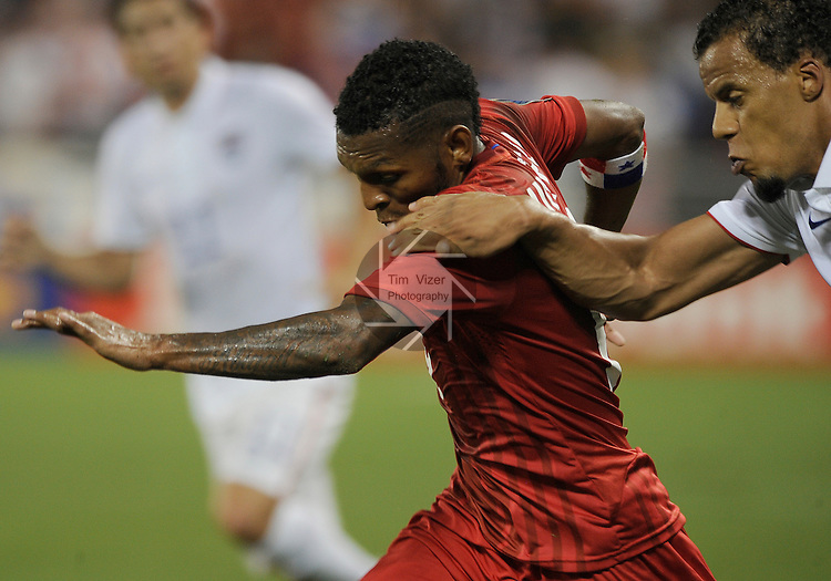 USA Timmy Chandler (21) moves in on Panama Alberto Quintero (19) in the first half. Panama tied the USA 1-1 in a Group A game during the Gold Cup 2015 at Sporting Park in Kansas City, Kansas on Monday July 13, 2015.