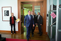 Aussenminister Guido Westerwelle (FDP) und der russische Aussenminister Sergej Lawrow kommen am Mittwoch (15.05.13) im Auswaertigen Amt in Berlin zur Unterzeichnung eines Abkommens über die Unterbringung des Goetheinstitutes in Moskau und des Russischen Hauses in Berlin.Foto: Axel Schmidt/CommonLens