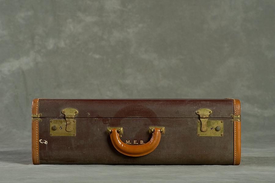 Willard Suitcases / Mary E B / ©2014 Jon Crispin
