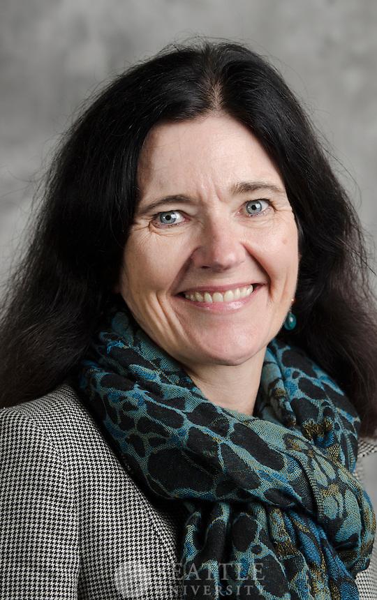 Faculty Headshots Day 1 - 11/12/13 <br /> <br /> Karen Smaalders