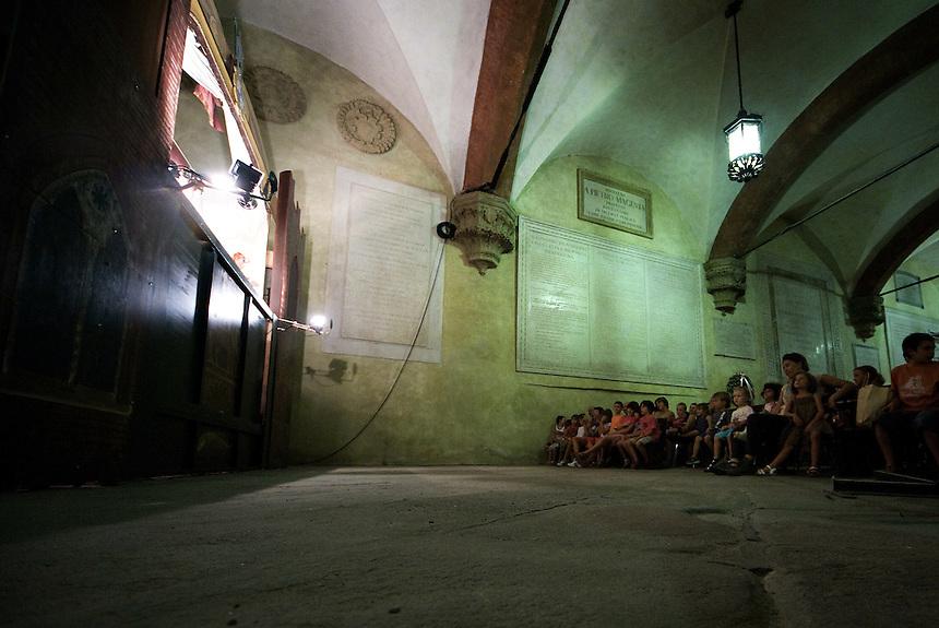 La tradizione del teatro dei buratini bolognese.