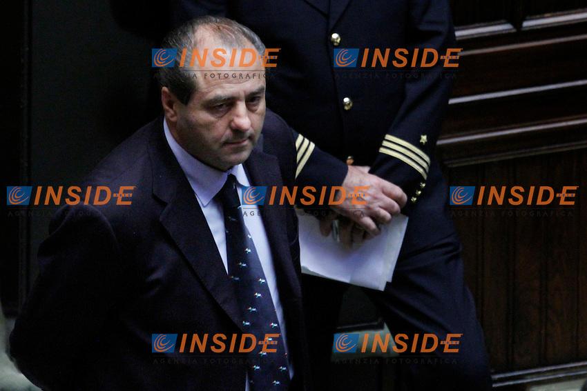 COMUNICAZIONI DEL NEO  PRESIDENTE DEL CONSIGLIO E VOTO DI FIDUCIA PER IL NUOVO GOVERNO..NELLA FOTO ANTONIO DI PIETRO..ROMA 18 NOVEMBRE  2011..PHOTO  SERENA CREMASCHI INSIDEFOTO..........................