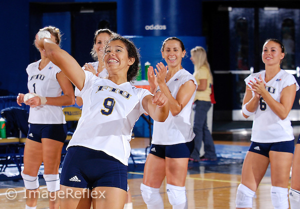 Florida International University Golden Panthers Volleyball versus South Alabama at Miami, Florida on Saturday, September 29, 2007.  The Golden Panthers defeated South Alabama, 3-0 (30-26, 30-27, 30-12)...Freshman defesnive specialist/setter Natalia Valentin (Caguas, Puerto Rico) (9)