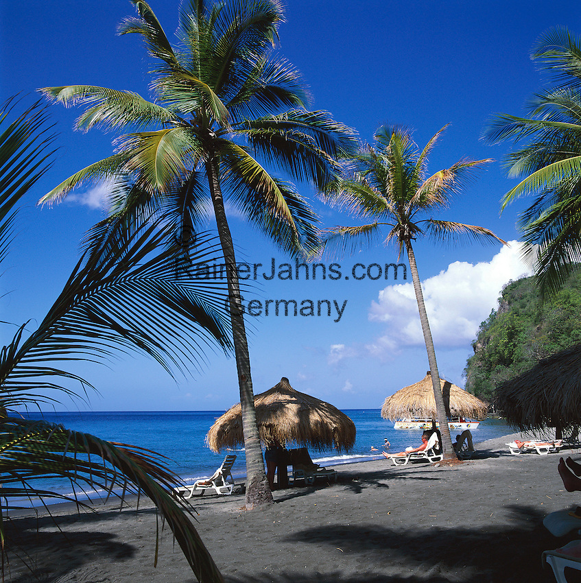 Caribbean, Lesser Antilles, Saint Lucia, Anse Chastenet, black sand beach | Karibik, Kleine Antillen, Saint Lucia, Anse Chastenet, schwarzer Sandstrand