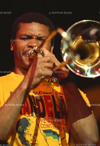 Robin Eubanks, Jun 1990 : Robin Eubanks performing. New York, USA.