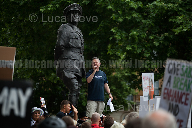 Dominic Dyer (British writer, broadcaster, campaigner, CEO Badger Trust, Policy Adviser Care for Wild International, Member RCVS Veterinary Nurses Council).<br />
