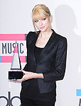 Taylor Swift at The 2010 American Music  Awards held at Nokia Theatre L.A. Live in Los Angeles, California on November 21,2010                                                                   Copyright 2010  DVS / Hollywood Press Agency