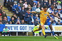 Garath McCleary of Reading right has a shot on goal during Reading vs Wigan Athletic, Sky Bet EFL Championship Football at the Madejski Stadium on 9th March 2019