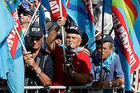 ..Roma 01/09/2011 Piazza Navona. Manifestazione di CISL, UIL E  UGL per protestare contro la Manovra Finanziaria...Photo Samantha Zucchi Insidefoto