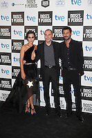 Actor Hugo Silva (R), David Marques and Megan Montaner pose at `Dioses y perros´ film premiere photocall in Madrid, Spain. October 07, 2014. (ALTERPHOTOS/Victor Blanco) /nortephoto.com