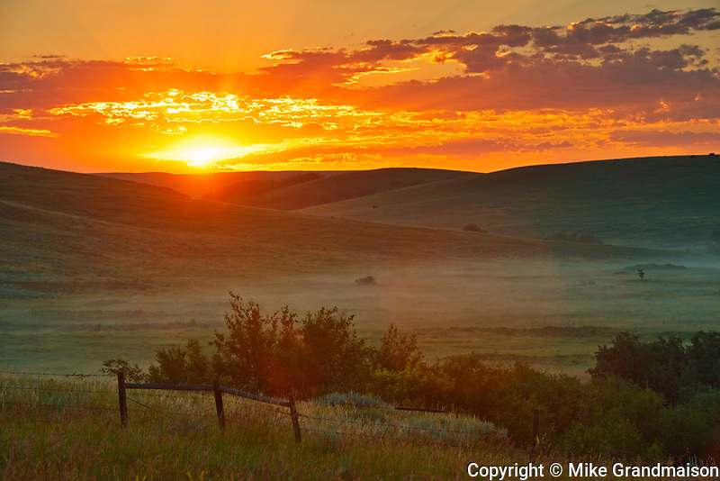 Sunrise on the prairie, Near Cypress Hills Provincial Park, Saskatchewan, Canada