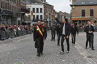 """Binche, Bélgica, 04 de Marzo,2014: Aspectos de las festividades desarrolladas el día martes del carnaval. Estas celebraciones se remontan hasta el siglo quince y fueron declaradas patrimonio universal de la UNESCO en el año 2003 y reunen desfiles de arlequines, """"pierrots"""" y """"Gilles"""" (personaje  inspirado en la comedia italiana renacentista vistiendo a la usanza tradicional belga ycabezal elaborado de plumas). La fiesta mayor del martes termina en la tarde  cuando los participantes terminan su desfile en la plaza central y lanzan naranjas al público que los espera en ambiente festivo. <br />   <br /> Foto: David Steck / Obture Press Agency"""