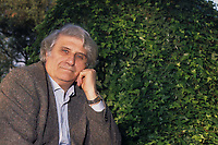 Carlo Mazzantini (Roma, 1925 - Tivoli, 28 dicembre 2006) è stato uno scrittore italiano ed un combattente della Repubblica Sociale Italiana. Mazzantini Carlo was an Italian writer and a fighter of the Italian Social Republic....