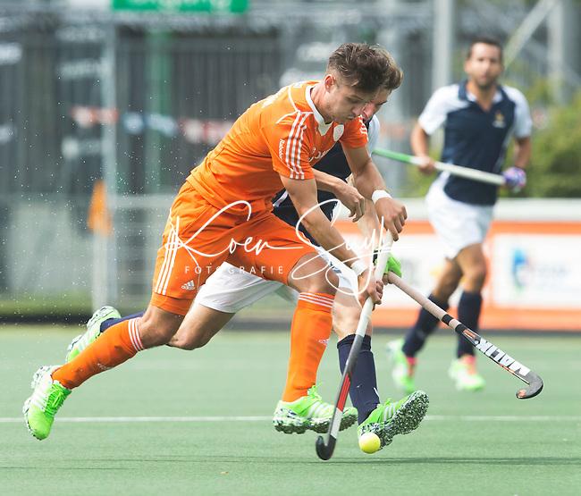 AMSTELVEEN - Neth. -  Robbert Kemperman  tijdens de interland wedstrijd tussen de mannen van Nederland en Frankrijk (8-1), ter voorbereiding van het EK . COPYRIGHT KOEN SUYK