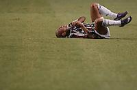 RIO DE JANEIRO, RJ, 07 DE FEVEREIRO 2012 - LIBERTADORES - FLUMINENSEX ARSENAL (ARG) - Carlinhos, do Fluminense, sofre falta, durante partida válida pela Libertadores 2012 entre Fluminense e Arsenal (ARG) no estádio do Engenhão, no Rio de Janeiro. (FOTO: MAURO PIMENTEL - NEWS FREE).
