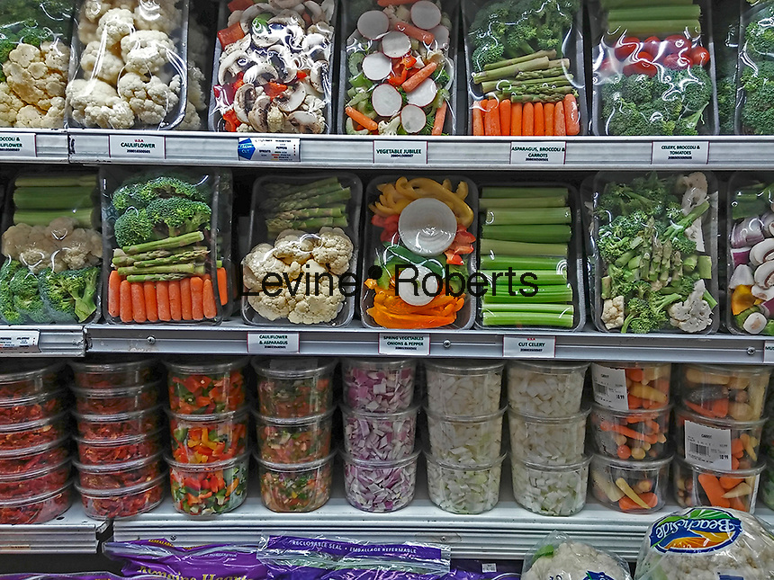 Packages of pre-cut, portioned vegetables in a supermarket in New York on Thursday, January 12, 2017. (© Richard B. Levine)