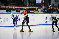 SHORT TRACK: TORINO: 14-01-2017, Palavela, ISU European Short Track Speed Skating Championships, Quarterfinals 500m Ladies, Suzanne Schulting (NED), Martina Valcepina (ITA), ©photo Martin de Jong
