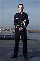 officiers-&eacute;l&egrave;ves - les &laquo; OE &raquo; dans le jargon<br /> Enseigne de vaisseau Laurent Falhun.