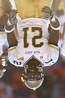12 November 2005: Georgia Tech WR Calvin Johnson (21).&amp;#xD;The Virginia Cavaliers defeated the Georgia Tech Yellow Jackets 27-17 at Scott Stadium in Charlottesville, VA.<br />
