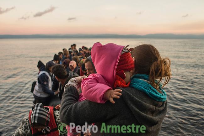 2015/12/01. Lesbos, Grecia. <br /> Three months after the death of Aylan Kurdi, Save the Children remember that the security of the borders can not be above the rights of refugees. Only in Greece, 728,000 refugees have arrived this year, 26% are children. Most small boats have arrived in the Greek island of Lesbos from Turkey. Pedro Armestre / Save the Children.<br /> Tres meses despu&eacute;s de la muerte de Aylan Kurdi, Save the Children recuerda que la seguridad de las fronteras no puede estar por encima de los derechos de los refugiados. Solo a Grecia han llegada m&aacute;s 728.000 personas refugiadas en lo que va de a&ntilde;o, el 26% son ni&ntilde;os. La mayor&iacute;a han llegado en peque&ntilde;as embarcaciones a la isla griega  de Lesbos procedentes de Turqu&iacute;a. Desde la muerte de Aylan m&aacute;s de 120 ni&ntilde;os han muerto en el mar intentando llegar a Europa. <br />  &copy; Pedro Armestre/ Save the Children Handout. No ventas -No Archivos - Uso editorial solamente - Uso libre solamente para 14 d&iacute;as despu&eacute;s de liberaci&oacute;n. Foto proporcionada por SAVE THE CHILDREN, uso solamente para ilustrar noticias o comentarios sobre los hechos o eventos representados en esta imagen.<br /> &copy; Pedro Armestre/ Save the Children Handout - No sales - No Archives - Editorial Use Only - Free use only for 14 days after release. Photo provided by SAVE THE CHILDREN, distributed handout photo to be used only to illustrate news reporting or commentary on the facts or events depicted in this image.