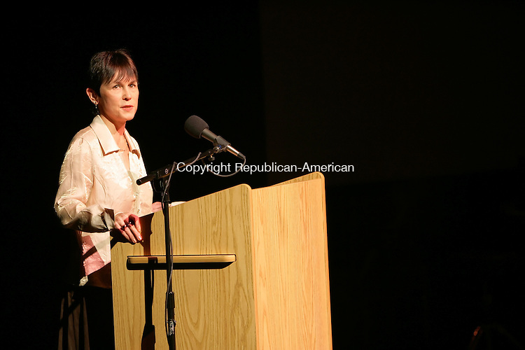 """NEW MILFORD, CT -17 January 2005 -011706JS05---Susan York, Executive Director of the Hunt Hill Farm Trust, remembers Skitch Henderson during Tuesday's """"A Jazz Tribute to Skitch Henderson at New Milford High School.  --- Jim Shannon Republican-American -- Susan York, New Milford High School; Skitch Henderson are CQ"""