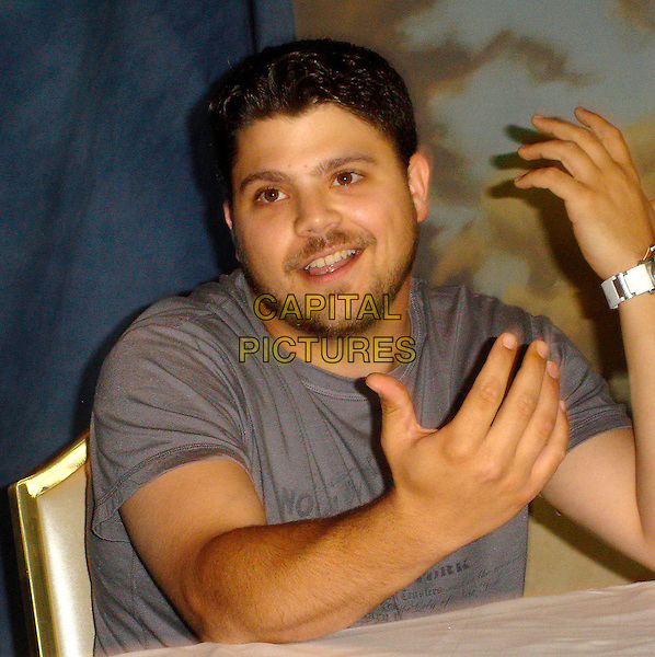 "JERRY FERRARA.Photocall for ""Entourage"".September 2006.Ref: AW.half length hands stubble.www.capitalpictures.com.sales@capitalpictures.com.©Anita Weber/Capital Pictures."
