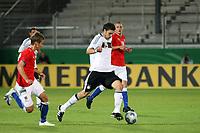 Kevin Pezzoni (D) setzt sich durch<br /> Deutschland vs. Tschechien, U21 EM-Qualifikation *** Local Caption *** Foto ist honorarpflichtig! zzgl. gesetzl. MwSt. Auf Anfrage in hoeherer Qualitaet/Aufloesung. Belegexemplar an: Marc Schueler, Alte Weinstrasse 1, 61352 Bad Homburg, Tel. +49 (0) 151 11 65 49 88, www.gameday-mediaservices.de. Email: marc.schueler@gameday-mediaservices.de, Bankverbindung: Volksbank Bergstrasse, Kto.: 151297, BLZ: 50960101