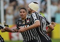 Santos SP, 19 maio 2013 - SANTOS X CORINTHIANS  Lance  em que Danilo comemora gol   durante partida da final do campeonato paulista de 2013  no Estadio da Vila Belmiro em Santos, Litoral de  de Sao Paulo, neste domingo , 19. (FOTO: ALAN MORICI / BRAZIL PHOTO PRESS).