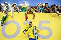HAMILTON, CANADA, 25.07.2015 - PAN-FUTEBOL -  Thaisa do Brasil comemora medalha de ouro após ganhar de 4 a 0 da Colombia em partida da final do futebol feminino nos jogos Pan-americanos no Estadio Tim Hortons em Hamilton no Canadá neste sábado, 25. (Foto: William Volcov/Brazil Photo Press)