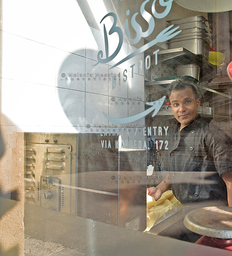Eunus immigrato dal Bangladesh e sbarcato ancora minorenne, &egrave; una storia di successo, integrato  lavora al Bisso bistrot di Palermo.<br /> Eunus from Bangladesh immigrated in Italy when he still was an unaccompanied minor, he is now integrated and works in one of the most popular bistrot in Palermo.