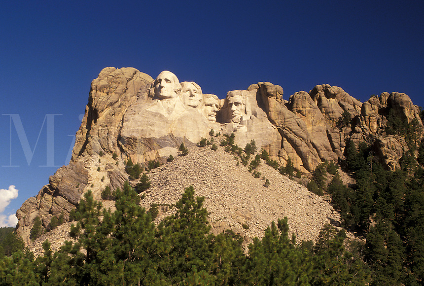 Mt. Rushmore, Mount Rushmore National Memorial, SD, South Dakota, Black Hills, View of Mount Rushmore Nat'l Memorial.